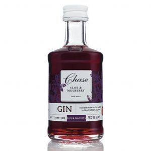 https://cdn.webshopapp.com/shops/286243/files/326384402/chase-oak-aged-sloe-gin-mini-5cl.jpg