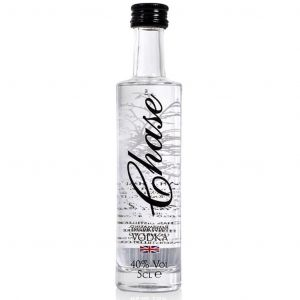 https://cdn.webshopapp.com/shops/286243/files/316836760/chase-vodka-mini-5cl.jpg