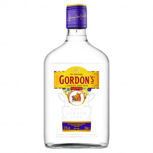 https://cdn.webshopapp.com/shops/286243/files/323577306/gordons-gin-35cl.jpg
