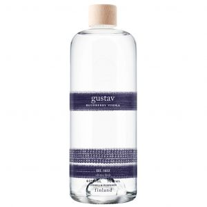 https://cdn.webshopapp.com/shops/286243/files/326988675/gustav-blueberry-vodka-70cl.jpg