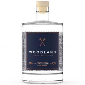 https://cdn.webshopapp.com/shops/286243/files/320363769/woodland-sauerland-dry-gin-navy-strength-50cl.jpg